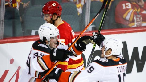 Drysdale scores OT winner to send Ducks past Flames