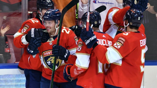 Bobrovsky gets 300th win, unbeaten Panthers top Avalanche