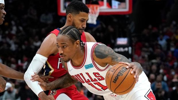 LaVine scores 32, DeRozan 26 as Bulls pound Pelicans