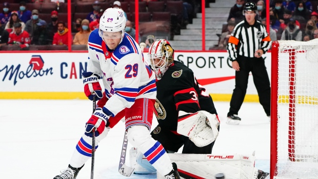Murray exits as Rangers rally in third for win over Senators