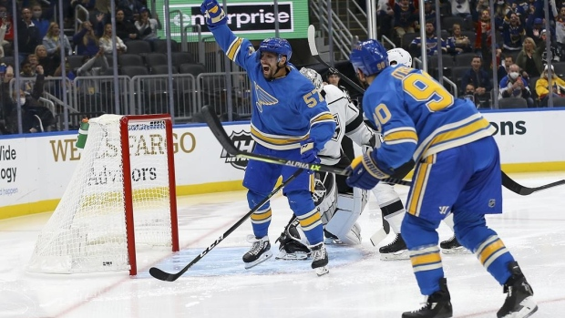 Perron posts 6th hat trick, Blues top Kings for 4th victory
