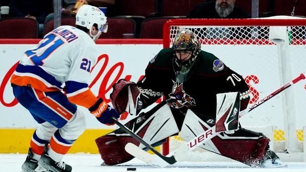 Sorokin stops 26 shots in Islanders' win over Coyotes