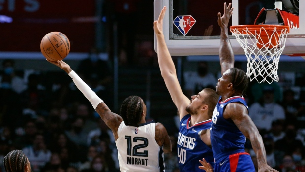 Morant scores 28, leads Grizzlies to win over Clippers