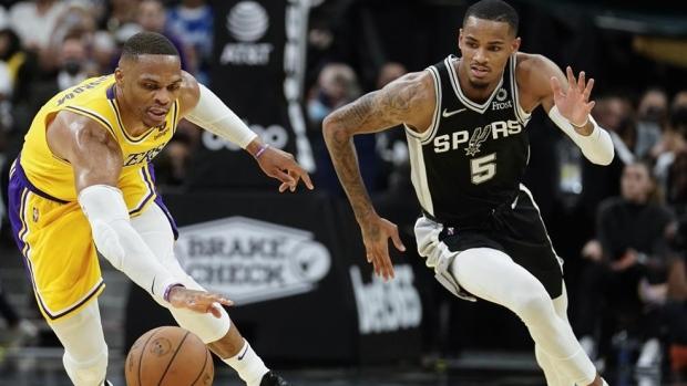 Davis, Westbrook lead Lakers by Spurs minus James