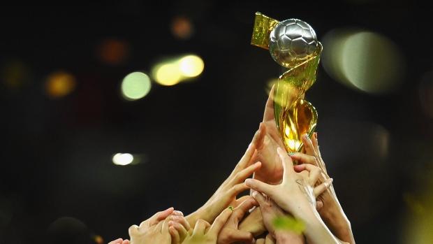 Women-s-world-cup-trophy