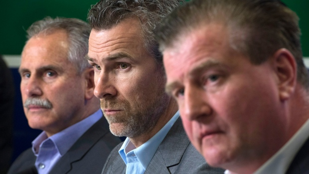 Canucks Jim Benning Trevor Linden Willie Desjardins