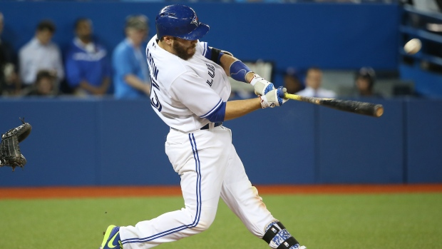 Martin homers, Jays take rubber game from Yankees