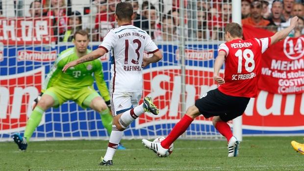 Freiburg Beats Bayern   To Escape Bundesliga Relegation Zone Schalke Reaches Europa League