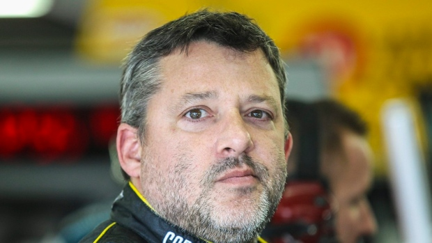 Stewart, Kevin Ward's family settle lawsuit