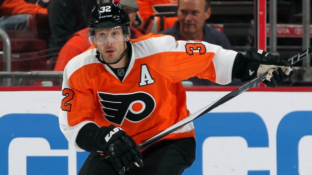 Lightning acquire defenceman Mark Streit from Flyers for centre Filppula