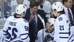 Mike Babcock talks to Maple Leafs bench