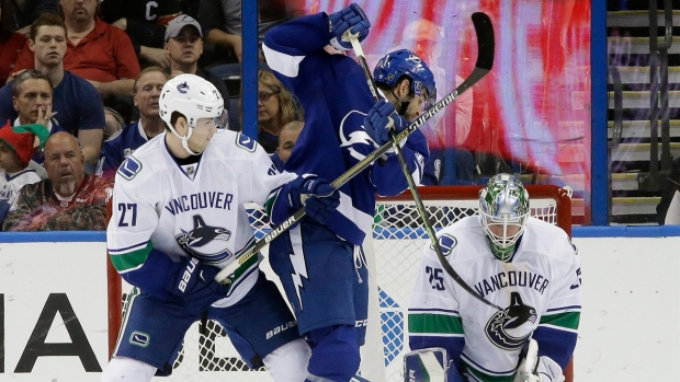 Daniel Sedin scores in 3rd, Jacob Markstrom makes 26 saves to help Canucks beat Lightning 2-1 Article Image 0