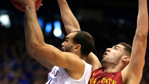 College basketball: No. 1 Kansas holds off Iowa State, 85-78