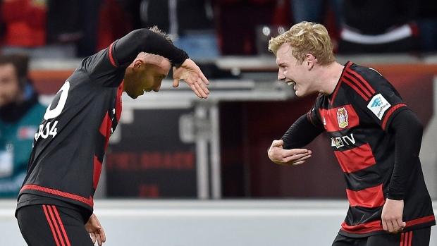 Leverkusen Beats Uninspired Wolfsburg Article Tsn