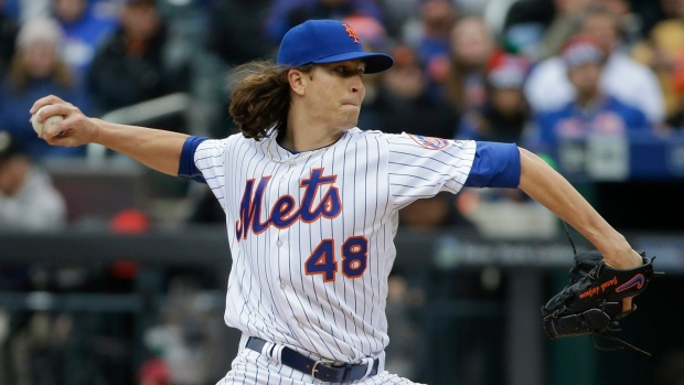 Mets' deGrom to stay with sick newborn