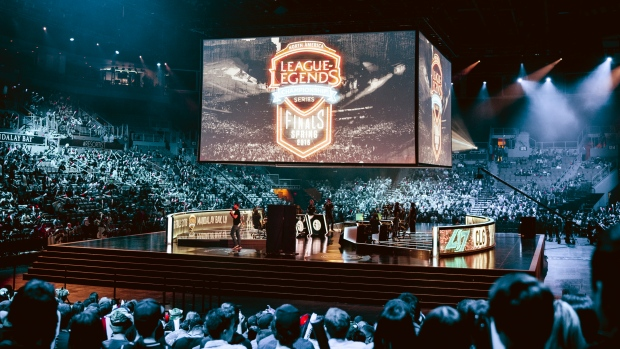 Riot to move LCS to franchise model in 2018 - TSN.ca