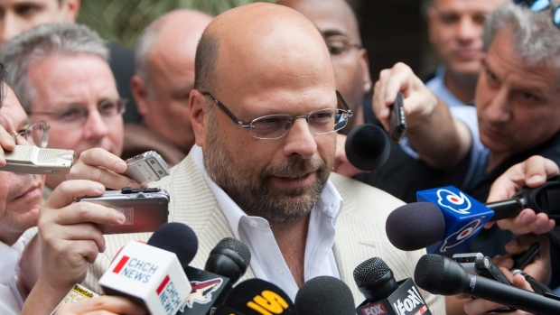 Former players ask firm to probe NHLPA's pursuit of HRR claims