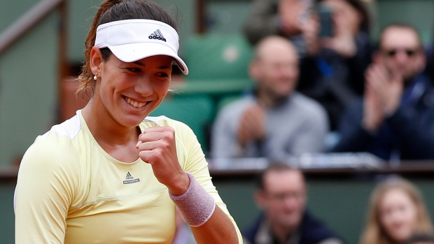 2 high women's seeds fall in rainy French Open