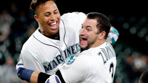 Iwakuma tosses gem; Mariners beat Fulmer, Tigers 3-0
