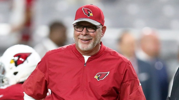 Arians Briefly Returns To Chargers Cards Practices Tsn Ca