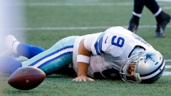 Cowboys QB Romo has small fracture in back Article Image 0