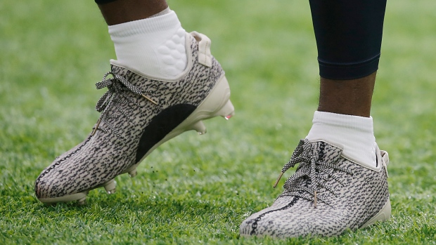 45824459133 Texans  Hopkins fined  6K for Yeezy cleats. The Canadian Press. DeAndre  Hopkins cleats