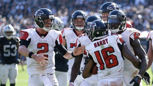 Justin-hardy-and-falcons-celebrate