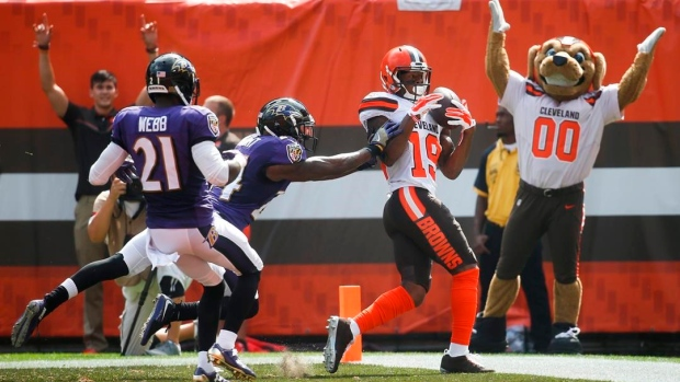 Browns rookie wide receiver Corey Coleman breaks hand Article Image 0