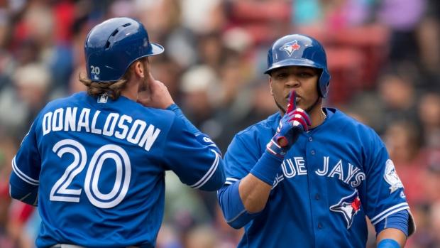 MLB Rumors: Toronto Blue Jays Still Hoping to Re-Sign Edwin Encarnacion