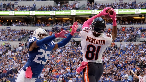 Bears' Cameron Meredith carted off field after gruesome leg injury