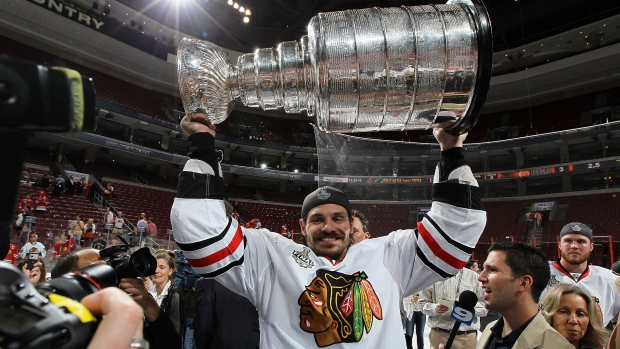Brent Sopel hoists Stanley Cup
