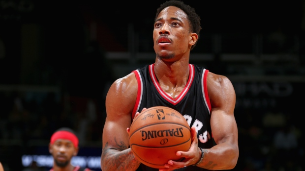 DeRozan's 34 points push Raptors past Heat 96-87