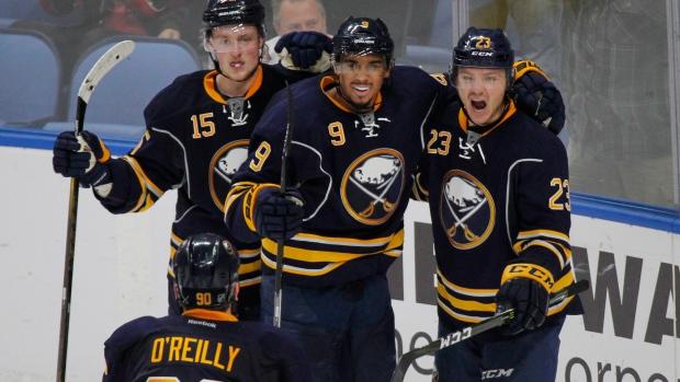Buffalo-sabres-celebrate