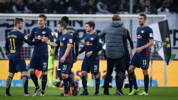 Leipzig keeps pressure on bayern with win article tsn for Butlers leipzig