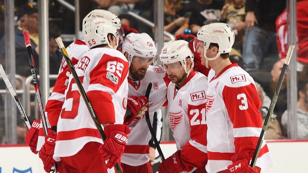 Tomas-tatar-and-red-wings-celebrate