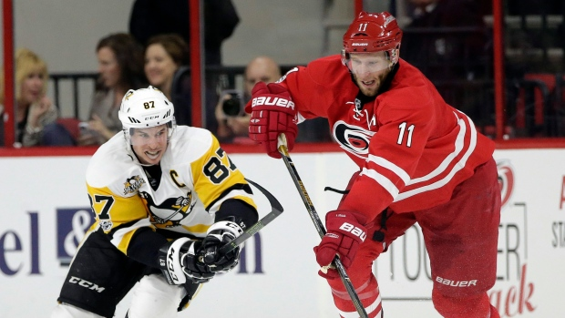 Sidney-crosby-and-jordan-staal