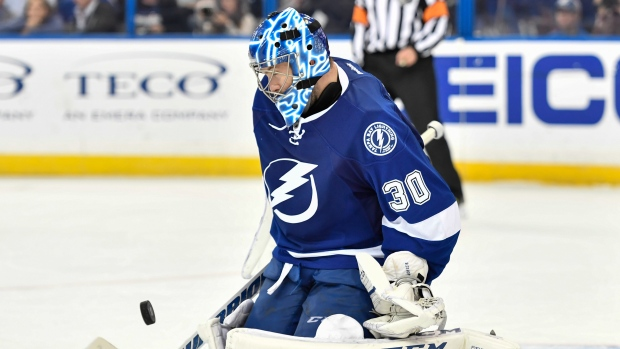 Kings complete shocking trade for goalie Ben Bishop