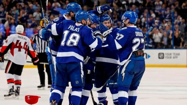 Tampa-bay-lightning-celebrate-goal