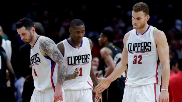 Clippers clinch No. 4 playoff seed with 115-95 rout of Kings