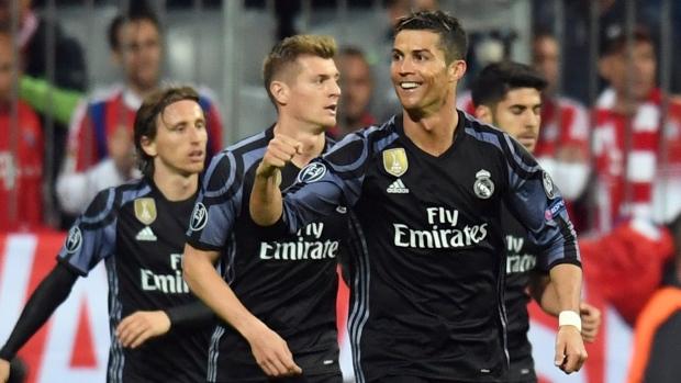 Ronaldo scores 2 as Madrid wins 2-1, ends Bayern record run