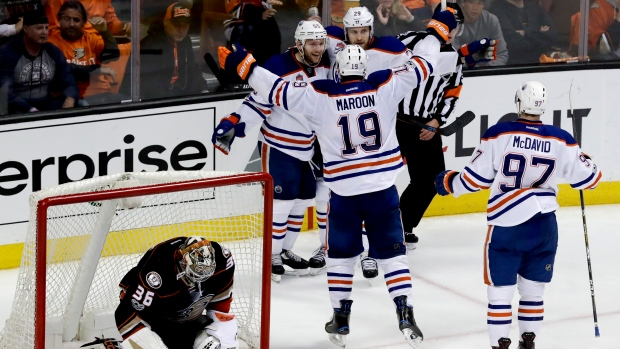 Mark-letestu-oilers-celebrate
