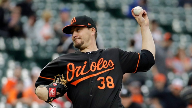 Wade Miley hit by line drives from consecutive batters