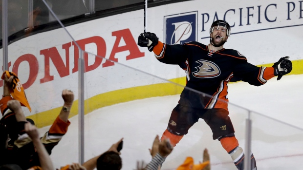 Ironman Andrew Cogliano gets three-year contract extension from Ducks