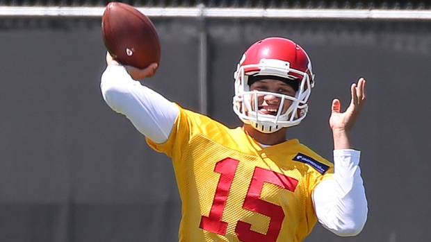 Chiefs rookie QB Patrick Mahomes II uninjured after being robbed