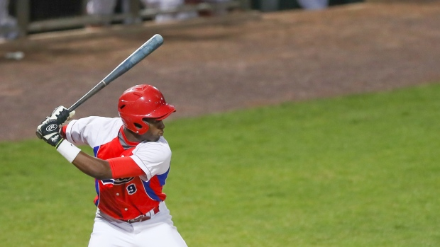 ChiSox sign top Cuban prospect Robert