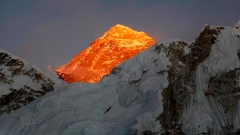 American climber dies, Indian missing on Everest Article Image 0