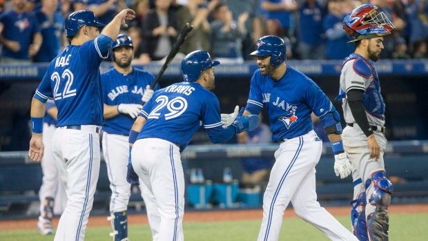 Bautista's homer lifts Jays to 5th straight win