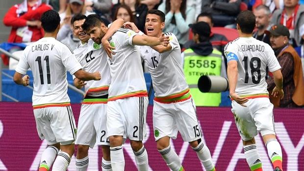 Nestor-araujo-celebrates-goal