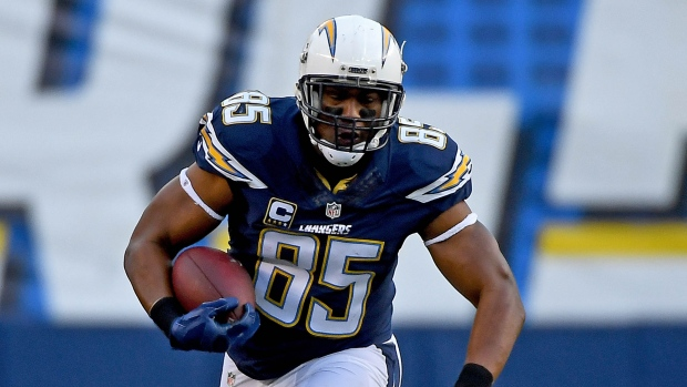 Chargers great Antonio Gates announces retirement