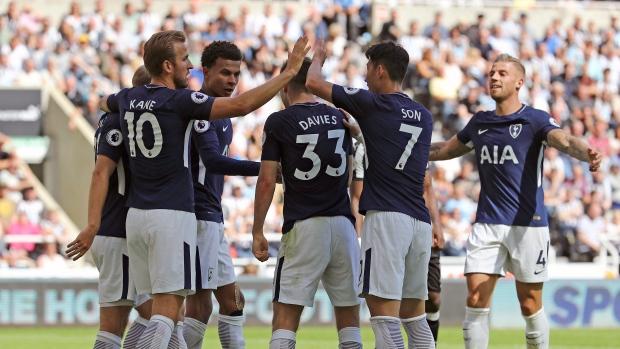 Tottenham-hotspur-celebrates